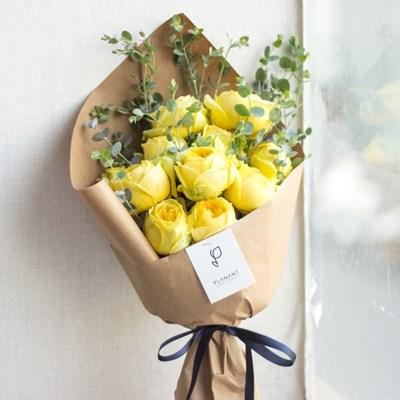 풍성한 카탈리나 장미 + 유칼립투스 꽃다발
