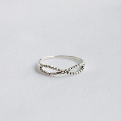 Dot ribbon ring (실버 도트 리본 반지) [92.5 silver]