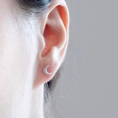 (92.5 silver) moon earring