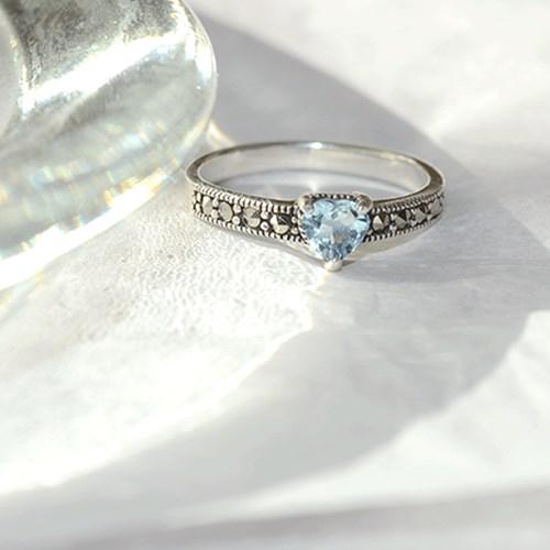 heart moon.aquamarine