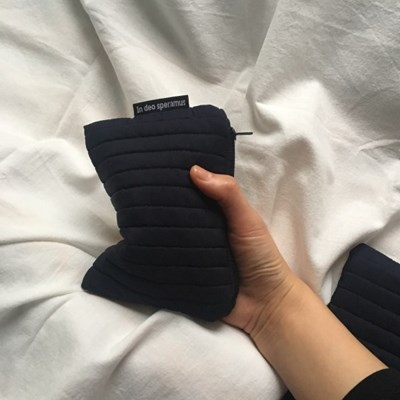 패딩 네이비 파우치(Padding navy pouch)