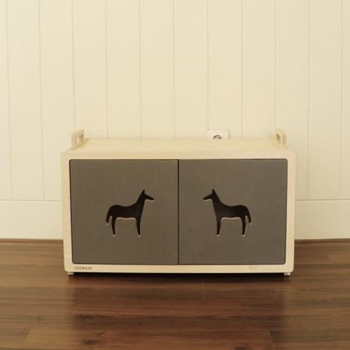 Blokk Cabinet Horse