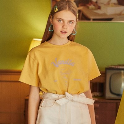 DE VANILLA TEE(YELLOW)_(3962442)