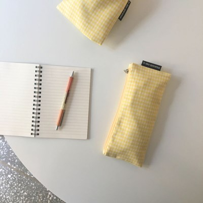 옐로 체크 필통(Yellow check pencil case)