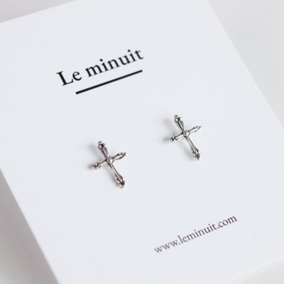 Silver cross earring (실버 유화 십자가 귀걸이) [92.5 silver]