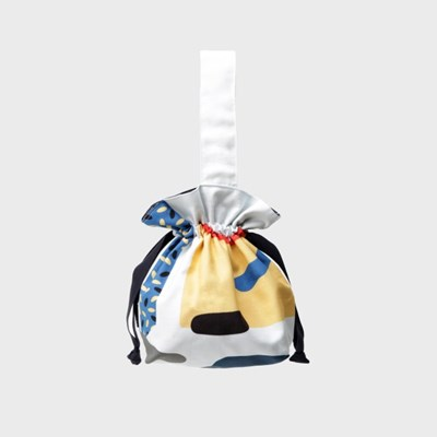 Cut outs mini string bag