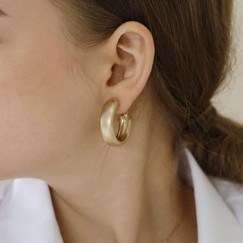 Know galaxy earring (gold)