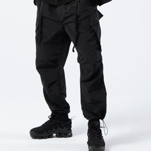 2TUCK BELTED CARGO PANTS (BLACK)_(401030282)