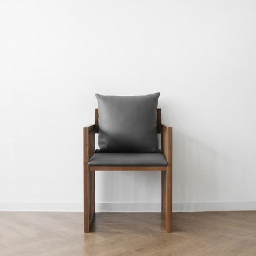[헤리티지월넛] G형 의자 다크그레이_(1412864)