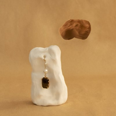 white caramel earrings