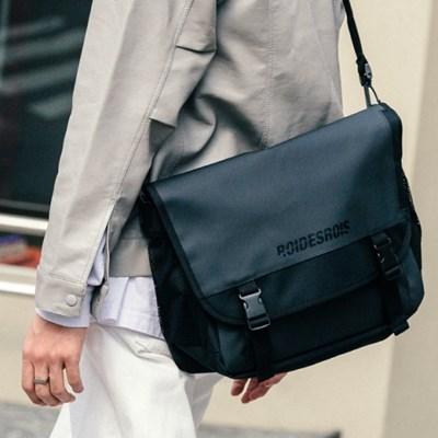 [로아드로아] SIGNATURE LOGO MESSENGER BAG (JET BLACK_(1273267)
