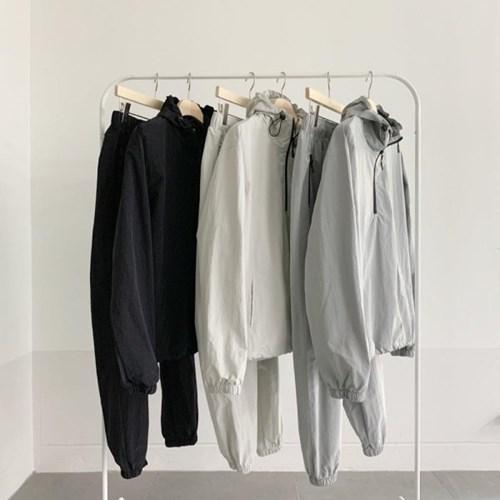 블랙 루즈핏 바스락 밴딩 바람막이 트레이닝 팬츠