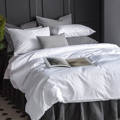 PREMIUM JAQUARD BEDDING SET - HERRINGBONE