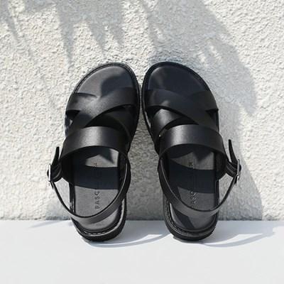 파스코로젠 레프트 크로스 스트랩 샌들 블랙_(1705239)