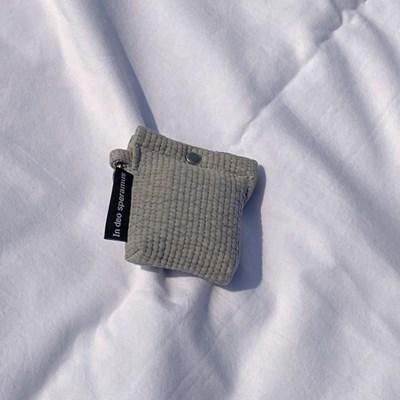 퀼팅 그레이 에어팟 케이스 (Quilting gray airpods case)