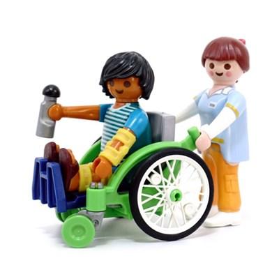 플레이모빌 휠체어 탄 환자 70193