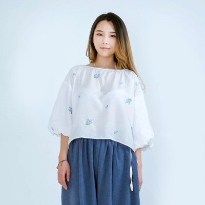 Forget-Me-Not Ballon Sleeve Blouse