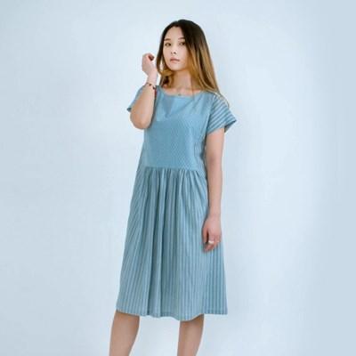 Kate Dobby Pigment Dress Light Blue