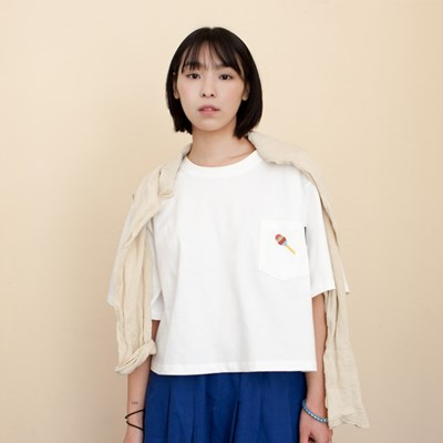 Woman Maracas Pocket T-Shirts