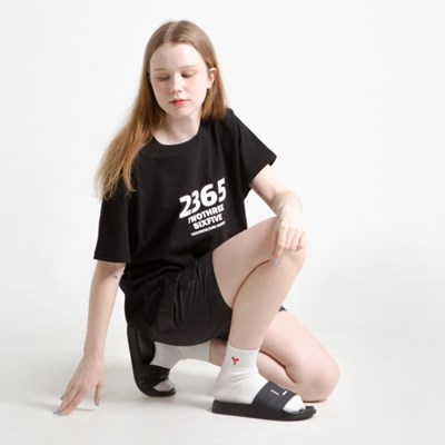 23.65 OBILQUELINE LOGO HALF T-SHIRTS BLACK