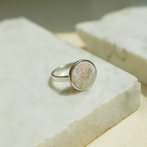 925silver Arin Marble Signature Ring (Pink Green)