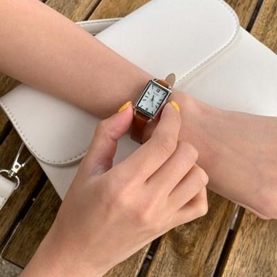 [소가죽] 스퀘어 레더스트랩 손목시계(2610306)_(1710500)
