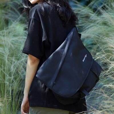 NEEDED MESSENGER BAG (BLACK)_(1344210)