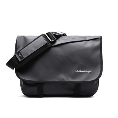 NEEDED MESSENGER BAG (JET BLACK)_(1344208)