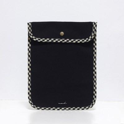 Signature tablet pouch - black