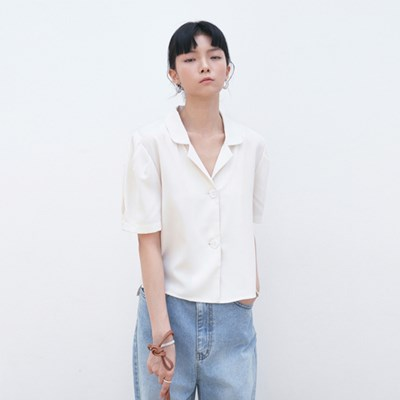 MINIMAL COLLAR CROP BLOUSE_BEIGE