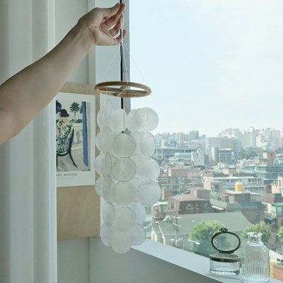 라탄 자개모빌 2color [천연 조개 모빌 풍경 썬캐쳐 우드 소품]