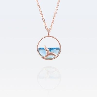 [기부목걸이] 노을빛 바다를 유영하는 고래_고래꼬리 시리즈 #08