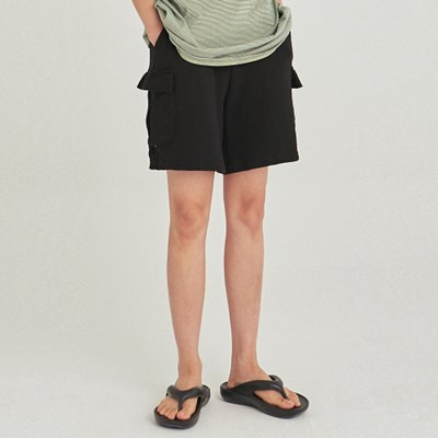 W CARGO WIDE SWEAT SHORT_BLACK