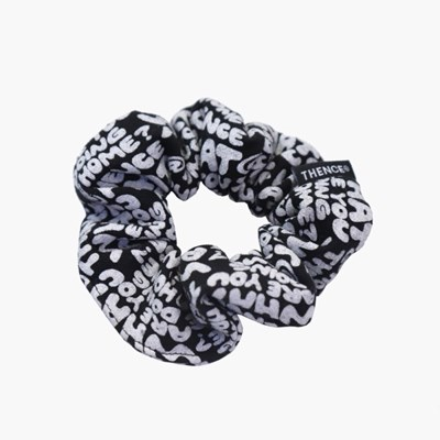 SCRUNCHIE_WWL_BLACK