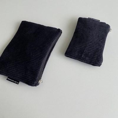 검정 골덴 파우치(Black corduroy pouch)