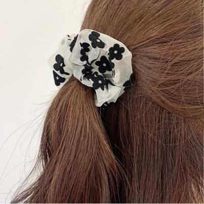 [2개세트][2color] 겨울 블랙 플라워 꽃무늬 슈슈 곱창 머리끈 세트