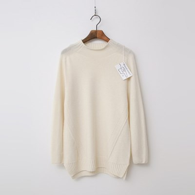 Maille Cashmere N Wool Mini Turtle Sweater