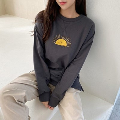 여자 가을 라운드 선 프린팅 트임 맨투맨 티셔츠