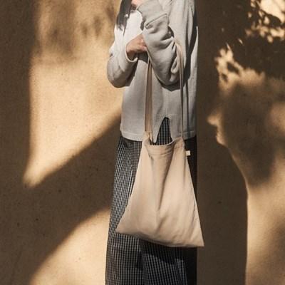 Hug Bag (LIGHT BEIGE)