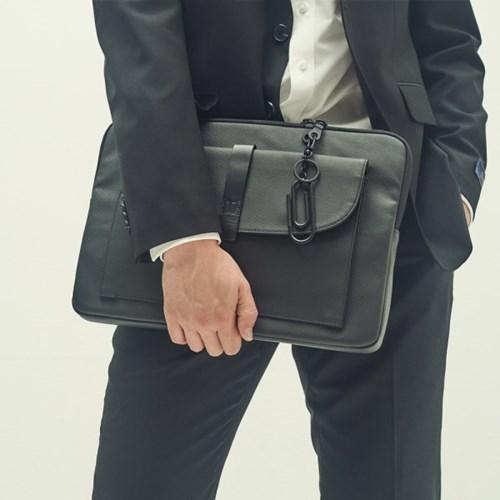 11 - DOCUMENT BAG