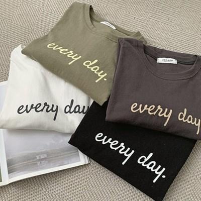 여자 간절기 영어 레터링 라운드 긴팔 티셔츠