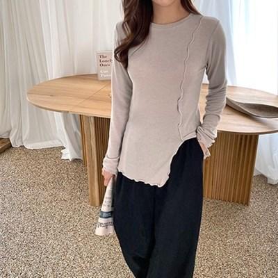 여자 간절기 물결 프릴 라인 트임 긴팔 라운드 티셔츠