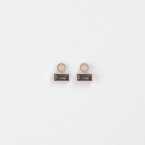 [쥬디앤폴] 뮤니 스모키 그레이 라운드 앤 렉탱글 귀걸이 E51652