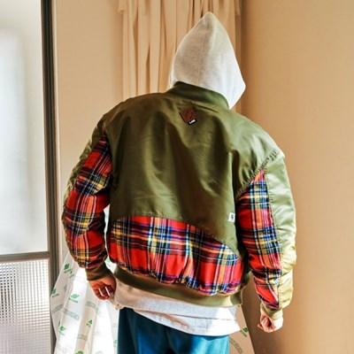 [프리키쉬빌딩] STRAPIG MA1 JACKET ㅡ KHAKI