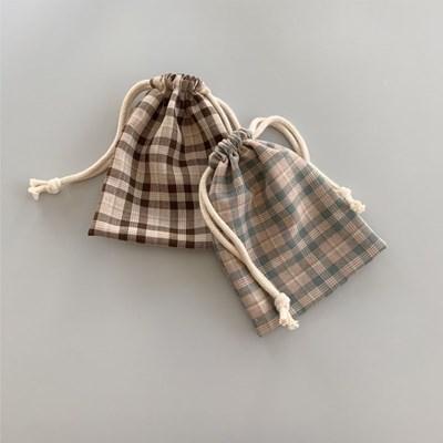 체크 스트링 파우치(check string pouch)
