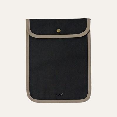[solid] Signature tablet pouch - khaki