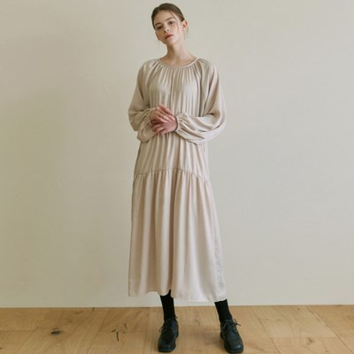 ROMANTIC SHIRRING LONG OPS_LIGHT BEIGE