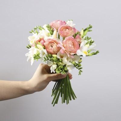 프리지아 & 라넌 꽃다발 (생화, 전국택배)