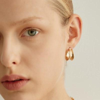 ravine hoop earring