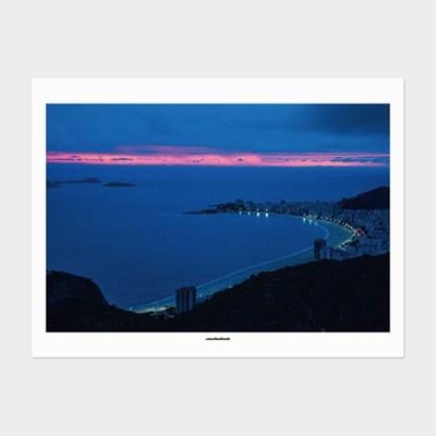 [카멜앤오아시스] Untitled 13 브라질 코파카바나 해변 야경 포스터